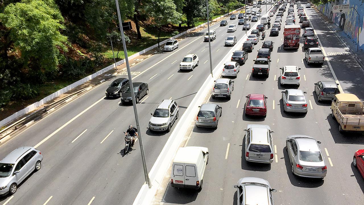 Trânsito na Av. 23 de Maio (Oswaldo Corneti/Fotos Públicas)
