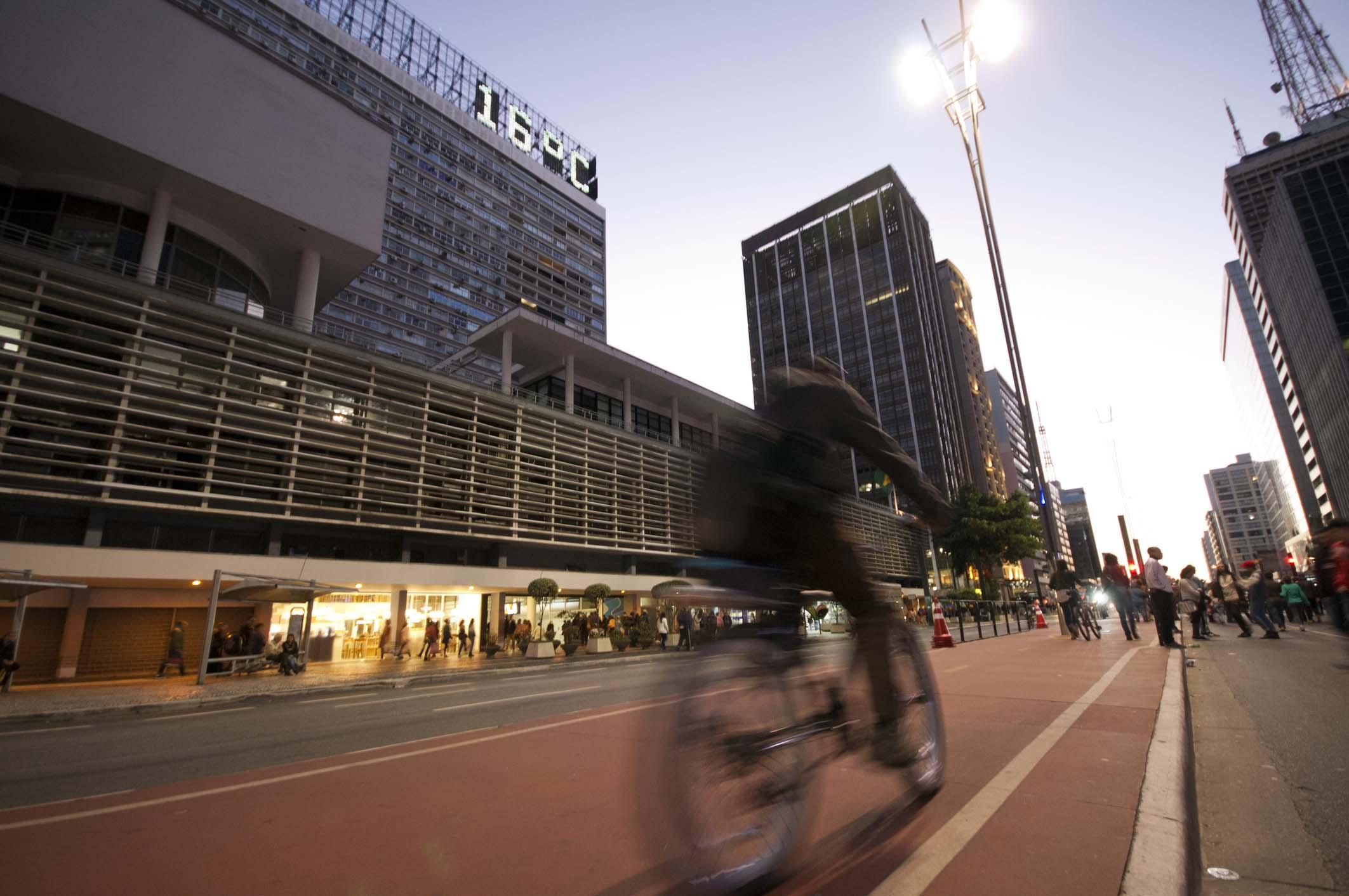 De bike na Paulista