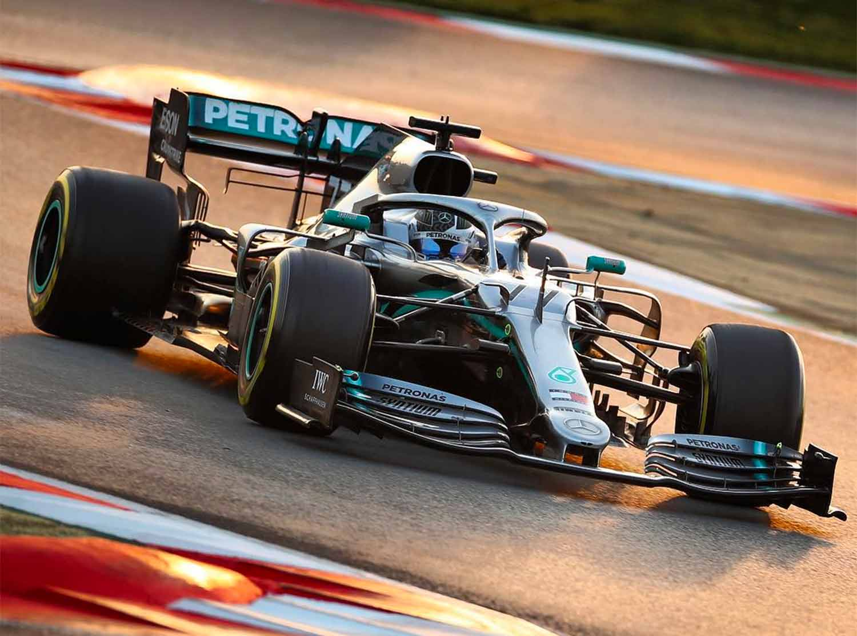 Carro da McLaren nos testes da F1